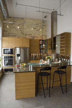 A Chic 21st Century Modern Kitchen By The Inman Company. Kitchen via Design Shuffle
