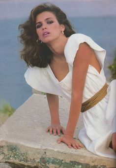 Heavenly Gia pose by Francesco Scavullo, 1980.  ;)mISS Olive