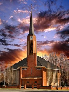 Dutch Reformed church of Parys, Free State, South Africa. By PhotoJdB Temples, Church Pictures, Free State, Church Architecture, Cathedral Church, Old Churches, Church Building, Chapelle, Place Of Worship