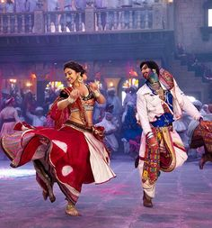 Ram Leela movie is a Fashion show in itself with vibrant and rich coloured dresses worn by Deepika Padukone and Ranveer Singh. Checkout the Dress collection. Deepika Padukone, Deepika Ranveer, Ranveer Singh, Shahrukh Khan, Leela Movie, Lehenga, Garba Dance, Sanjay Leela Bhansali, Mehndi