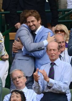 Bradley Cooper and Gerard Butler at Wimbledon watching Andy Murray win Hot Actors, Actors & Actresses, Andy Murray Wimbledon, London Has Fallen, Suki Waterhouse, Poster Boys, Gerard Butler, Hollywood Life, I Love To Laugh