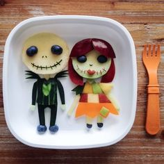 30 Delicious Art On Plate That Will Make You Hungry Baby Food Recipes, Snack Recipes, Snacks, Cute Food, Good Food, Food Art For Kids, Creative Wedding Cakes, Food Artists, Jack And Sally