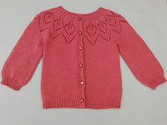 Love Knitting, Baby Sweater Knitting Pattern, Easy Knitting Patterns, Knitting Designs, Baby Knitting, Crochet Baby, 2 Year Old Baby, Toddler Sweater, Baby Cardigan