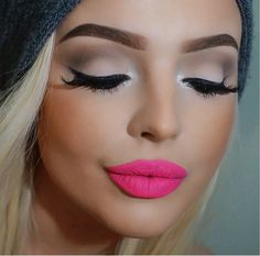 Silver tearduct with fuchsia lippies
