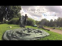 Travel without plans. A hitchhiking journey through through Europe and sleeping under the Eiffel Tower.