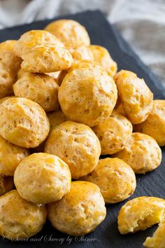Light and crisp, loaded with aged havarti, these cheese puffs are outrageously addicting! Cream Cheese Chicken Chili, Chili Cheese Dips, Beer Cheese Soups, Cheese Recipes, Cooking Recipes, Sausage Appetizers, Appetizer Recipes, Holiday Appetizers, Gougeres Recipe