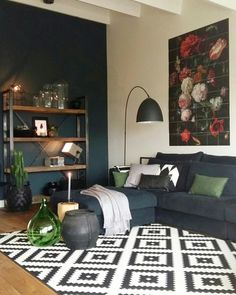 The living room color schemes to give the impression of more colorful living. Find pretty living room color scheme ideas that speak your personality. Living Room Green, Living Room Modern, Home Living Room, Interior Design Living Room, Living Room Designs, Living Room Decor, Kitchen Interior, Dining Room, Living Room Color Schemes