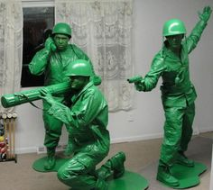 Funny pictures about Prepared for Halloween combat. Oh, and cool pics about Prepared for Halloween combat. Also, Prepared for Halloween combat. Couples Halloween, Best Group Halloween Costumes, Homemade Halloween Costumes, Cute Costumes, Group Costumes, Halloween Fun, Costume Ideas, Awesome Costumes, Original Halloween Costumes