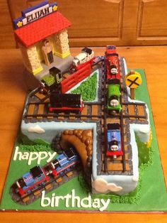 Resultado de imagem para cake ideas for 5 year old boy birthday thomas the train Train Birthday Party Cake, Thomas Birthday Cakes, Thomas Birthday Parties, Thomas Cakes, Thomas The Train Birthday Party, 4th Birthday Cakes, Fourth Birthday, Birthday Fun, Train Party