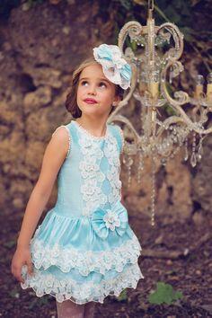 Photo, Elisa Muñiz.  Bea Cadillac, Alta Costura Infantil.