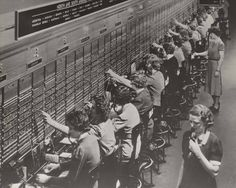 Long Before Siri, Emma Nutt's Voice Was on the Other End of the Line: She was the first female telephone operator. Before her, telephone operators were teenaged boys. That didn't go so well. Old Photos, Vintage Photos, Vintage Photographs, Vintage Art, Les Gobelins, Best History Books, Women's History, History Photos, History Facts