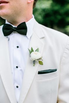 Classic off-white tux: http://www.stylemepretty.com/georgia-weddings/clayton-ga/2016/03/18/rustic-meets-romantic-north-georgia-mountain-wedding/ | Photography: Carla Gates - http://carlagatesphotography.com/
