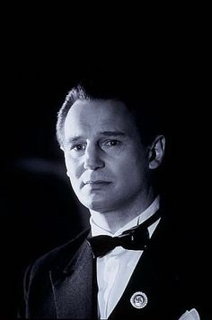 Liam Neeson in Schindler's List Great Films, Good Movies, Liam Neeson Movies, Schindler's List, Star Wars, Old Movie Stars, Star Pictures, Steven Spielberg, About Time Movie