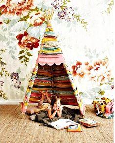 5 tutoriels complets pour apprendre à faire soi-même un joli tipi ou une petite tente, à installer dans une chambre ou au jardin, pour que vos enfants profitent d'un espace de jeu rien qu'à eux.