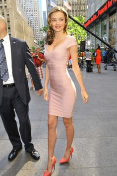 Miranda Kerr Photos Photos - Miranda Kerr Leaves the Fox Studios - Zimbio