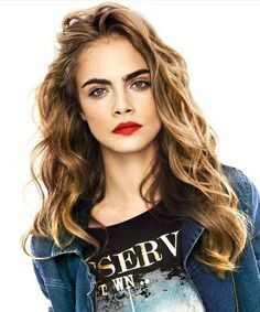 [Marrin vibes but with the wrong hair color] Cara Delevingne coiffure Celebrity Hairstyles, Cool Hairstyles, Tumbrl Girls, Hottest Female Celebrities, Hair Inspiration, Makeup Looks, Beauty Hacks, Hair Makeup, Eye Makeup