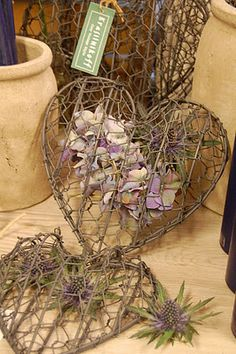 I love these chicken wire hearts! I think I can figure out a way to make them! Barb Wire Crafts, Chicken Wire Crafts, Chicken Art, Heart Day, I Love Heart, Fire Heart, Valentine Day Love, Valentines, Humble Heart
