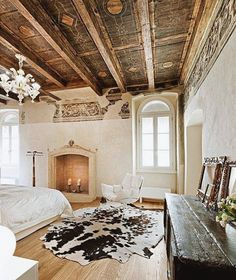 Obsessed with this shabby chic, meets rustic living bedroom!