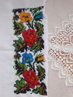 Craft Accessories, Illustration, Crafts, Fashion, Stitching, Roses, Moda, Manualidades, Fashion Styles