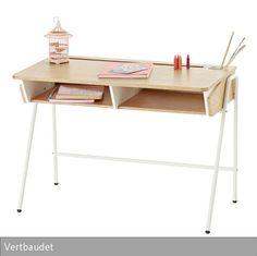 Filigranes Design und praktische Funktionen machen den Kinderschreibtisch von Vertbaudet zu einem idealen Begleiter für den Schulanfang. In den Schubladen…