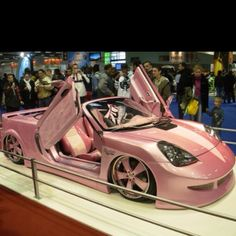 oh my! I want this if I was a millionaire I would have this parked in it's own pink cupcake shaped garage