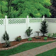 Gorgeous 75 Simple Backyard Privacy Fence Ideas on A Budget https://decorapatio.com/2017/07/15/75-simple-backyard-privacy-fence-ideas-budget/