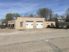 LoopNet - Free Standing Multi-Use Building, Flex Space, 228 19th Street, East Moline, IL