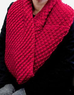 Free Pattern: Daisy Cowl by Amy Miller