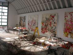 Various artists spaces and studios. Fantasizing about building my own studio. Art Studio Design, My Art Studio, Studio Ideas, Photo Art Studio, Studio Studio, Painters Studio, Atelier D Art, Dream Studio, Wow Art