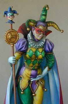 Make sure your Mardi Gras party has a jester! Make sure your Mardi Gras party has a jester! Mardi Gras Carnival, Mardi Gras Party, Carnival Masks, Carnival Costumes, Jester Costume, Costume Carnaval, Doll Costume, Pierrot Clown, Court Jester