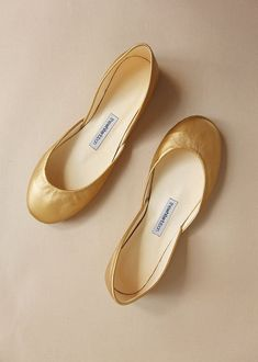 Copper Gold leather ballet flats, handmade from sustainable leather by us at The White Ribbon Ballet Flats Outfit, Gold Ballet Flats, Ballerina Shoes, Leather Ballet Flats, Flat Shoes, Women's Shoes, Bridesmaid Shoes, Dream Shoes, Gold Leather
