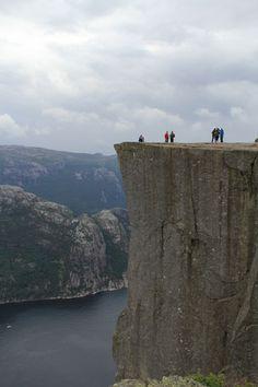 Z tohoto snímku turisty snadno vyretušujete, protože obsahuje konstantní plochy.
