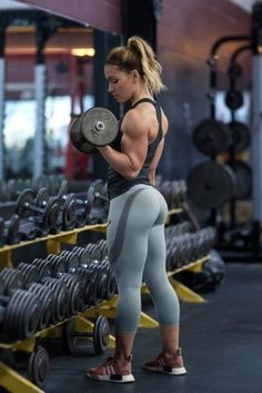 Workout To Become A Bodybuilding Fitness Beast Mode Bodybuilding Training, Bodybuilding Workouts, Women's Bodybuilding, Body Fitness, Fitness Goals, Fitness Wear, Bodybuilder, Photos Fitness, Foto Sport