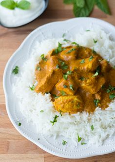 This Spicy Indian Chicken Curry is packed with aromatic spices and is perfect with basmati rice or homemade naan. Pollo Garam Masala, Spicy Chicken Curry Recipes, Healthy Chicken, Indian Food Recipes, Asian Recipes, Healthy Eating Recipes, Cooking Recipes, Indian Chicken, India Food
