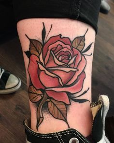When done properly, a reduced back tattoo could be both sexy and stylish. These tattoos are usually found on older and young females. Tattoos on this particular part of the rear are very popular that Trendy Tattoos, Tribal Tattoos, Tattoos For Guys, Cool Tattoos, Rosen Tattoo Bein, Rosen Tattoos, Neo Traditional Roses, Traditional Rose Tattoos, Traditional Tattoo Sketches
