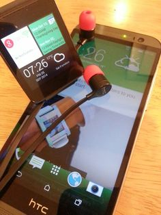Got a little bit of #HTC running on my #LG G Watch powered by #AndroidWear along side my M8...