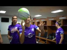 It's not easy to film Alex Morgan HAHHAHA