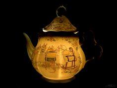 Brambly Hedge Tea Pot with Light. I love Brambly Hedge!