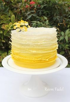 Ideas For Cupcakes Wedding Cake Yellow Frosting For Chocolate Cupcakes, Fondant Cupcakes, Fun Cupcakes, Cupcake Recipes For Kids, Cupcake Recipes From Scratch, Sunflower Cakes, Sunflower Party, Ombre Rosette Cake, Sweet 16 Cakes