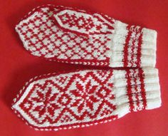Selbu-Votter Knit Stranded, Swedish Style, Hooded Scarf, Crochet Mittens, Mitten Gloves, Knitting Patterns, Wool, Yarns, Fingerless Gloves