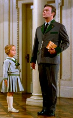 "Kym Karath (Gretl Von Trapp) and Christopher Plummer (Captain Georg Von Trapp) ~ ""The Sound of Music"" Christopher Plummer, Catherine Deneuve, Rita Hayworth, Sound Of Music Costumes, Sound Of Music Movie, Music Tours, Delon, Classic Movies, Musical Theatre"