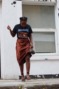 Modest Outfits, Chic Outfits, Fashion Outfits, Thrift Fashion, Satin Skirt, Black Women Fashion, Fashion Killa, Colorful Fashion, London Fashion