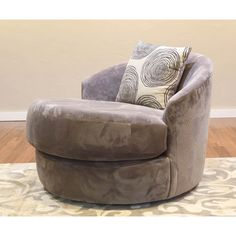 Somette Ara Swivel Chair