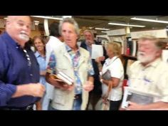 ▶ Book Revue in Long Island - 8/17/13 - YouTube VIDEO: THOUSANDS LINE UP FOR MARK LEVIN BOOK SIGNING; CROWD CIRCLES TOWN...