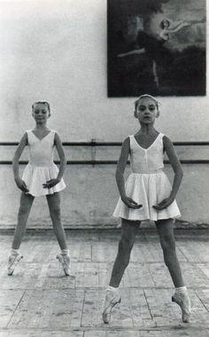 ballerina twins