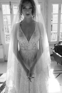 arava polak mona gown