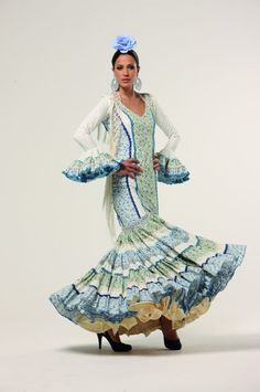Traje Canastero Folk Costume, Costumes, Blue And White Dress, Traditional Art, Ballet Dance, Culture, Flamenco Dresses, Cadiz, Skirts