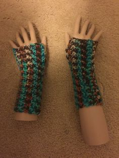 Etsy の Beach Fingerless Gloves by ShanOzu