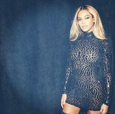 Beyonce-indossa-un-look-di-Tom-Ford
