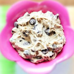 """healthyrecipes on Instagram Cookie dough dip. 1 1/2 cups chickpeas or white beans (1 can, drained) (250g) 1/8 tsp plus 1/16 tsp salt tiny bit over 1/8 tsp baking soda 2 tsp pure vanilla extract 1/4 cup nut butter (You can get away with using only 3 tbsp. If you use peanut butter, it'll have a slight """"pb cookie dough"""" taste.) up to 1/4 cup milk of choice, only if needed Sweetener 1/3 cup chocolate chips or Sugar-Free Chocolate Chips 2 to 3 tbsp oats"""